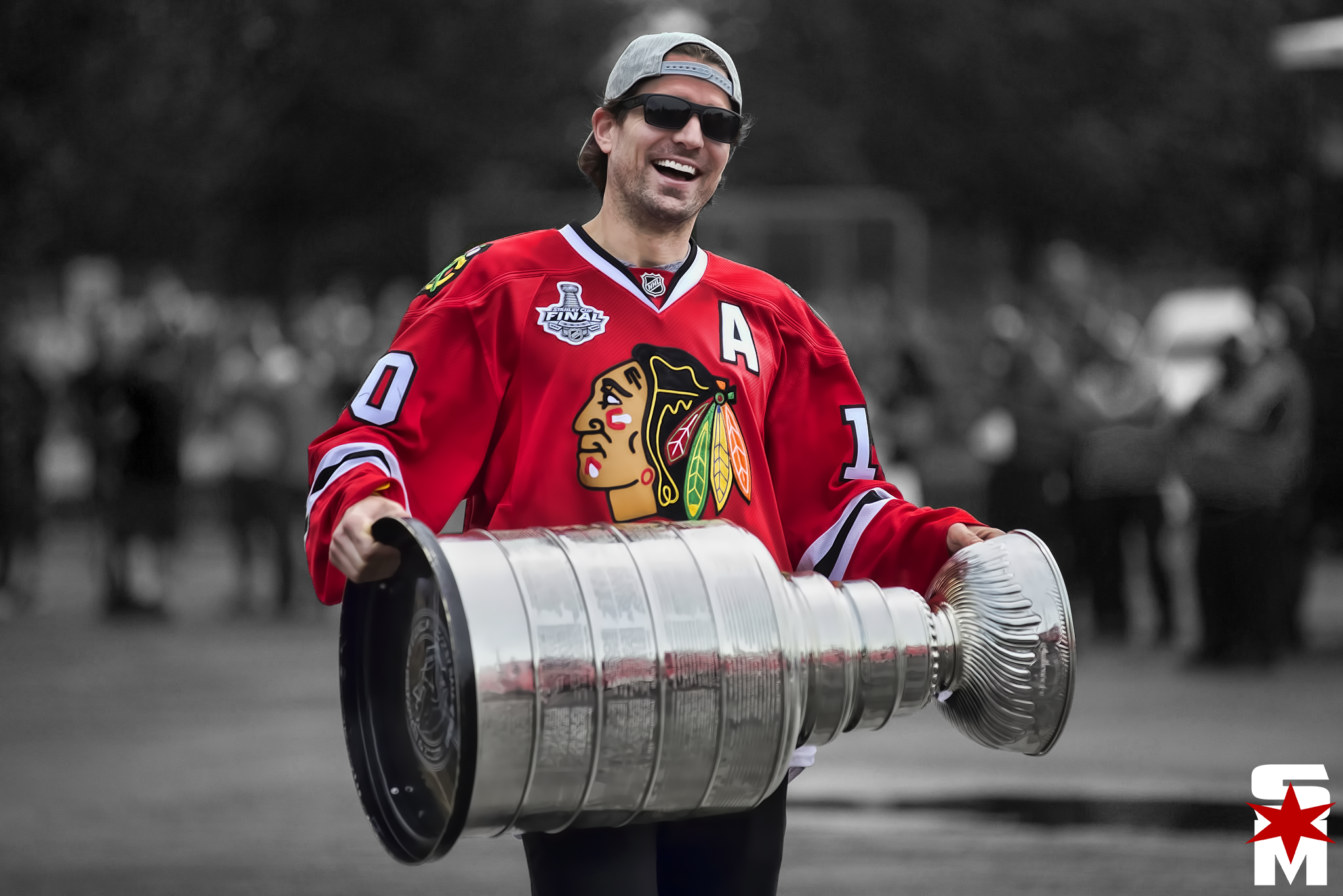 Chicago Blackhawks Officially Bring Back Patrick Sharp On ...